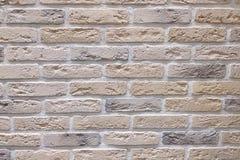 Alter heller Backsteinmauerbeschaffenheitshintergrund lizenzfreie stockfotos