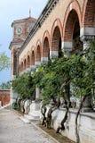 Alter italienischer Kirchhof Stockfotos