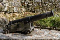 Alter Kanonenabschluß oben stockfotos
