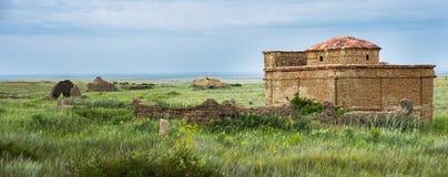Alter Kirchhof auf dem archäologischen Monument Terekty-Aulie Stockfotografie
