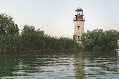 Alter Leuchtturm im Donau-Delta nahe Schwarzem sehen Lizenzfreie Stockfotos