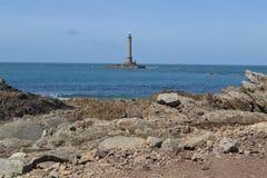 Alter Leuchtturm nahe der Atlantikküste von Normandie Lizenzfreie Stockfotos