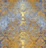 Alter lila mit Blumenhintergrund der goldenen Weinlese Lizenzfreies Stockfoto