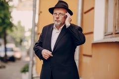 Alter Mann auf dem Gebiet Stockfoto