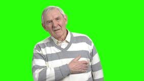 Alter Mann hat Herzinfarkt stock video footage