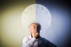 Alter Mann und Zeit Zeit vergeht Lizenzfreies Stockbild