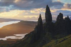 Alter Mann von Storr-Sonnenaufgang in der Insel von Skye, Schottland lizenzfreie stockfotos