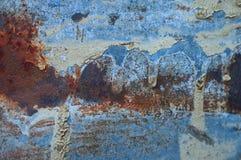 Alter Metallschmutz-Beschaffenheitshintergrund mit Kratzern, Sprüngen und rostigen Stellen Stockfoto
