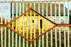 Alter Metallzaun Muster der alten Blechtafel Blechtafelbeschaffenheit Rostige Metallblattbeschaffenheit Lizenzfreies Stockfoto