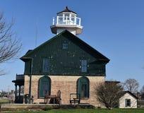 Alter Michigan-Stadt-Leuchtturm lizenzfreie stockbilder