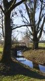 Alter Penstock, im allgemeinen Park, mit Schloss Liebling, Foerch stockfotos
