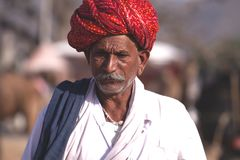 Alter Rajasthani-Mann mit Turban Festival-Pushkar Stockfoto