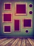 Alter Raum, Innen- des Schmutzes industrielle, getragene Oberfläche, hölzernes fram Lizenzfreie Stockbilder