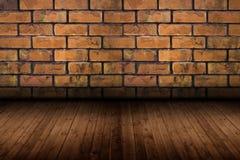 Alter Raum mit Backsteinmauer, Weinlesehintergrund Stockfotos