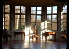 Alter Raum mit Fenster Lizenzfreie Stockbilder