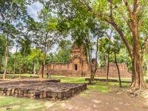Alter religiöser Tempel im historischen Park Stockbilder