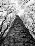 Alter ruinierter Mühlturm colden herein Tal West Yorkshire Stockfotos
