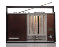 Alter russischer Radio lokalisiert auf weißem Hintergrund Lizenzfreie Stockbilder