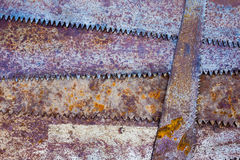 Alter rustikaler Hintergrund der Sägezinke Stockbilder