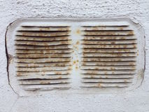 Alter Rusty Ventilation Shaft Lizenzfreie Stockfotos