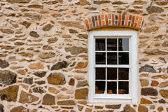 Alter Salem Window Lizenzfreie Stockbilder