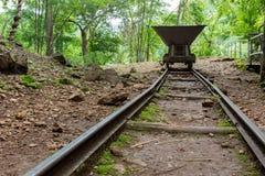 Alter Schienen-Warenkorb, Kanchanaburi, Thailand Lizenzfreies Stockfoto