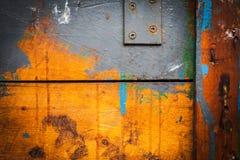Alter Schmutzholzkasten stockfoto