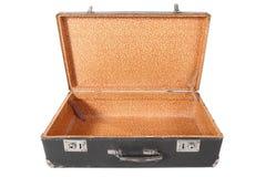 Alter schmutziger staubiger Koffer. Koffer ist geöffnet Stockfotos