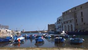Alter Seehafen von Monopoli Puglia Italien stock video footage