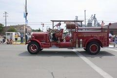 Alter Seymour Fire Department Number 1 LKW, der vorbei überschreitet Lizenzfreie Stockfotos