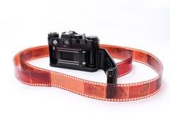 Alter Sowjet Zenit TTL 35 Millimeter-Filmkamera lokalisiert auf Weiß Stockfotografie