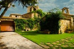 Alter spanischer Wohnsitz Stockfotografie