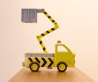 Alter Spielzeugnot-LKW Lizenzfreie Stockbilder