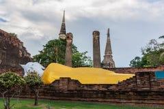 Alter stützender Buddha Lizenzfreies Stockbild