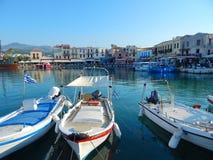 Alter Stadt-Rethymno-Jachthafen lizenzfreie stockbilder