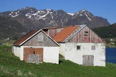 Alter Storfjord Bauernhof und Hayloft Stockbild