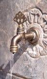 Alter türkischer Osmaneart-Wasserhahn stockbilder