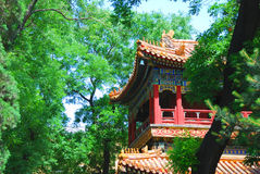 Alter Tempel im Garten Stockfotografie