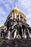 Alter Tempel mit Schönheitshimmel, Wat Chiang Man in Chiang Mai, Thailand Stockbild