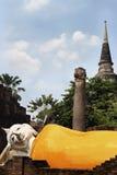 Alter thailändischer Tempel Buddhas über thailändische Geschichte stockbilder
