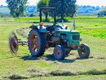 Alter Traktor Stockfoto