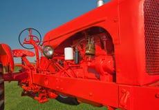 Alter Traktor mit neuem Lack Lizenzfreie Stockbilder