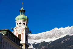 Alter Turm in Innsbruck, Österreich stockfotos