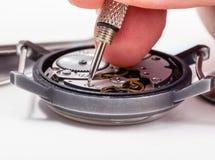 Alter Uhrabschluß der Uhrreparaturhauerreparaturen oben Lizenzfreie Stockfotografie