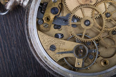 Alter Uhrwerkabschluß oben Stockfoto