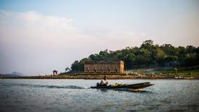 Alter Unterwassertempel an sankhraburi kanchanaburi Thailand Stockfoto