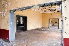 Alter Urlaub verlassener Raum stockfoto