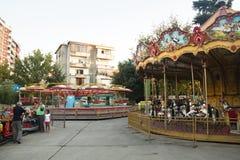 Alter Vergnügungspark in Tirana, Albanien stockbilder