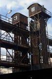Alter verlassener Industriebau im Bahnhof in Prag Lizenzfreie Stockbilder