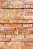 Alter verwitterter befleckter roter Backsteinmauerhintergrund Lizenzfreie Stockfotos